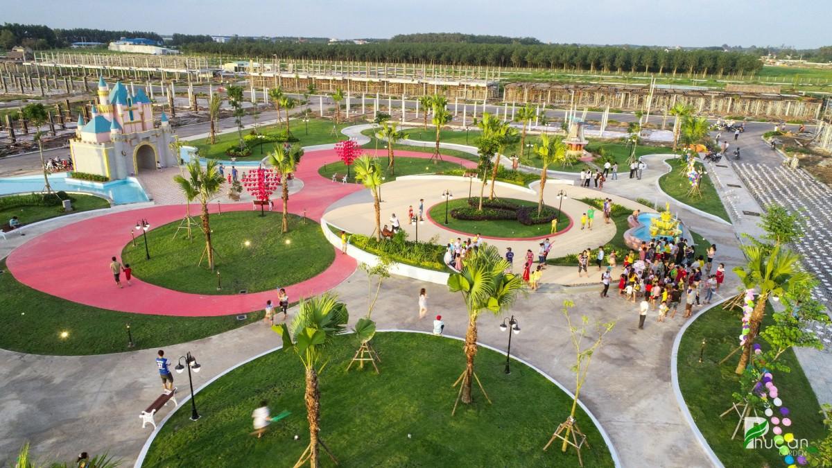 Một góc công viên của dự án Phúc An Garden đã thi công hoàn thiện