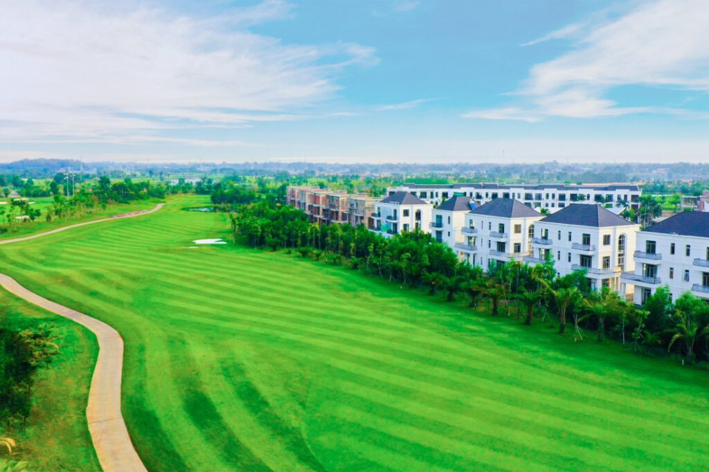 Hình thực tế biệt thự west lakes golf & villas tháng 6.2021