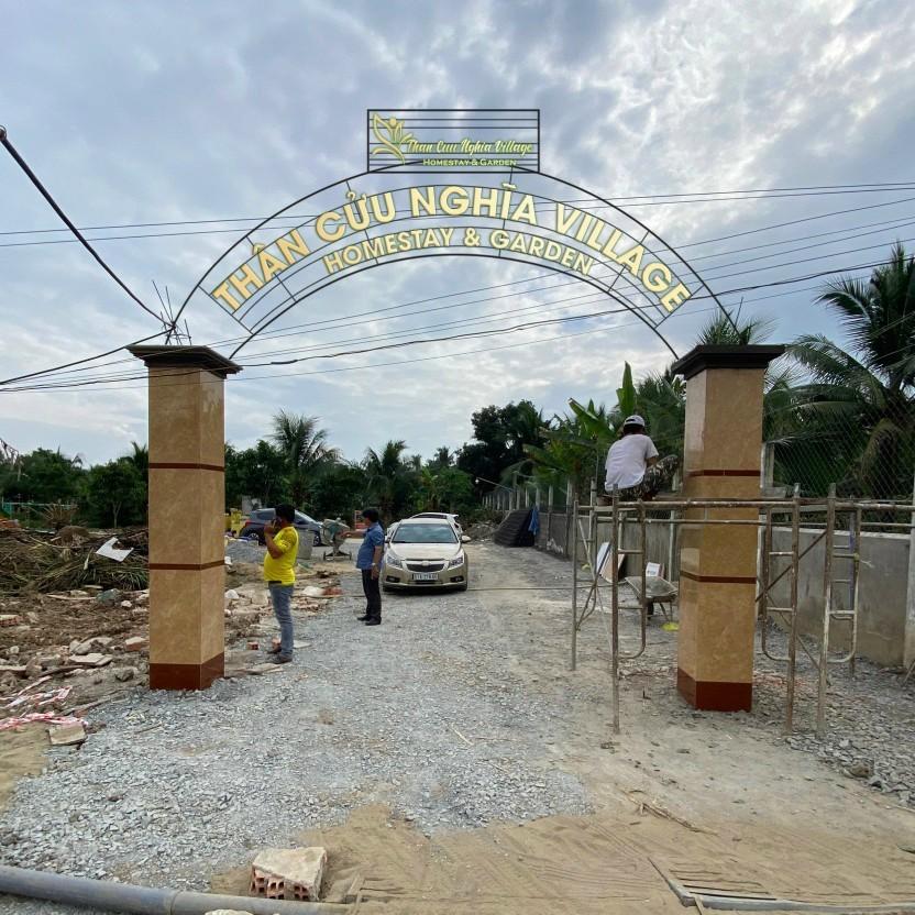 Cổng chào Thân Cửu Nghĩa Village