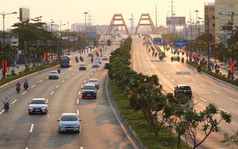 Đại lộ Phạm Văn Đồng tại Trung tâm Thành phố Thủ Đức